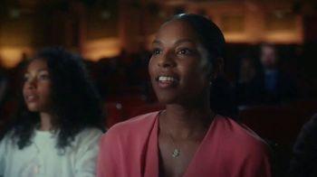 Pillsbury Grands! Cinnabon Cinnamon Rolls TV Spot, 'Magic Show' - Thumbnail 4