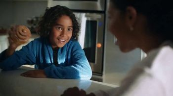 Pillsbury Grands! Cinnabon Cinnamon Rolls TV Spot, 'Magic Show' - Thumbnail 7