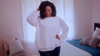 Chic Soul TV Spot, 'Fashion to Flatter' - Thumbnail 4