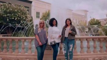 Chic Soul TV Spot, 'Fashion to Flatter' - Thumbnail 6