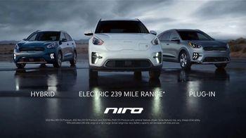 2022 Kia Niro TV Spot, 'Ends of the Earth' [T1] - Thumbnail 5