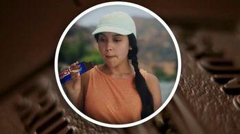 Crunch TV Spot, 'Everyone's Crunching: Resting Fun Face: Frown Lines' - Thumbnail 2