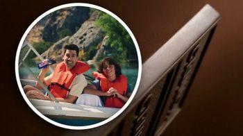 Crunch TV Spot, 'Everyone's Crunching: Resting Fun Face: Frown Lines' - Thumbnail 7