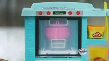 Play-Doh Kitchen Creations Rising Cake Oven Playset TV Spot, 'Ding' - Thumbnail 5