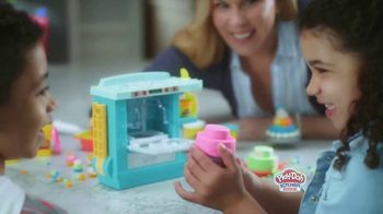 Play-Doh Kitchen Creations Rising Cake Oven Playset TV Spot, 'Ding' - Thumbnail 6