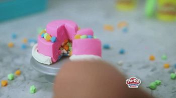 Play-Doh Kitchen Creations Rising Cake Oven Playset TV Spot, 'Ding' - Thumbnail 7