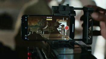 Apple iPhone 13 Pro TV Spot, 'Hollywood en tu bolsillo' canción de Labrinith [Spanish] - Thumbnail 5