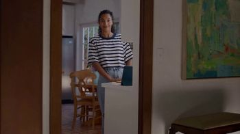 AT&T Wireless TV Spot, 'All Americans' - Thumbnail 5