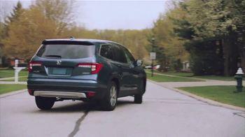 2022 Honda Pilot TV Spot, 'No One Does It Like We Do' Song by Grace Mesa [T2] - Thumbnail 2