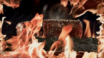 Applebee's Double Crunch Shrimp TV Spot, 'Any Steak Entree' Song by Barry White - Thumbnail 1