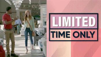 Rooms to Go Fall Sale TV Spot, 'Sofia Vergara Living Room Set' - Thumbnail 2