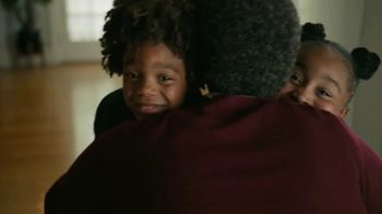 Amazon TV Spot, 'Bear Hug Betty' - Thumbnail 9