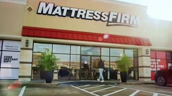 Mattress Firm TV Spot, 'Rest Assured Promise: Save $300 and $300 Gift' - Thumbnail 2