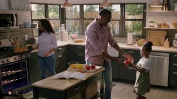The Home Depot Fall Savings TV Spot, 'In Here: Samsung Kitchen Package' - Thumbnail 8