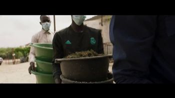 University of Notre Dame TV Spot, 'Fighting Infectious Disease at its Source' - Thumbnail 9
