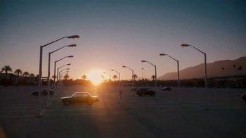 Samsung Galaxy Z Flip3 5G TV Spot, 'Parking Lot Dance' - Thumbnail 1