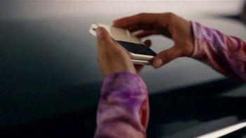 Samsung Galaxy Z Flip3 5G TV Spot, 'Parking Lot Dance' - Thumbnail 2