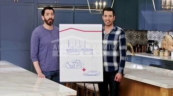 American Family Insurance TV Spot, 'Homestyle: Pairs' Featuring Drew and Jonathan Scott - Thumbnail 4