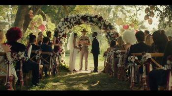 Dr Pepper TV Spot, 'Fansville: Bouquet Toss' Featuring Brian Bosworth - Thumbnail 3