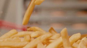 Burger King TV Spot, 'The Larissa Machado Meal: So Real' Song by Anitta - Thumbnail 6