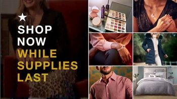 Macy's Black Friday Specials TV Spot, 'Cold Weather Wear, Pajamas and Cookware Sets' - Thumbnail 3