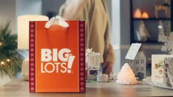 Big Lots Bigger Than Big Black Friday Sale TV Spot, 'Holiday Jingle: Mattresses' - Thumbnail 1