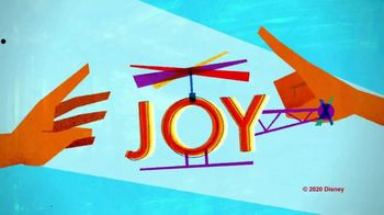 Marine Toys for Tots TV Spot, 'National Geographic: A Little Joy' - Thumbnail 6