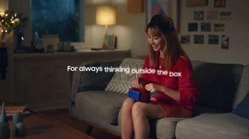 Samsung Galaxy TV Spot, 'Holidays: Thinking Outside the Box' - Thumbnail 2