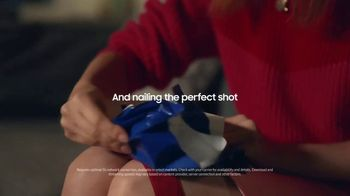 Samsung Galaxy TV Spot, 'Holidays: Thinking Outside the Box' - Thumbnail 4