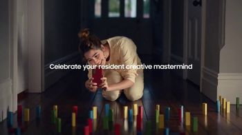 Samsung Galaxy TV Spot, 'Holidays: Thinking Outside the Box' - Thumbnail 7