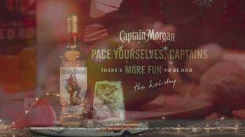 Captain Morgan Original Spiced Rum TV Spot, 'Holidays: Melting Snowman' - Thumbnail 10
