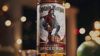 Captain Morgan Original Spiced Rum TV Spot, 'Holidays: Melting Snowman' - Thumbnail 3