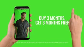 Mint Mobile TV Spot, 'Holidays: Stock Footage' Featuring Ryan Reynolds - Thumbnail 9
