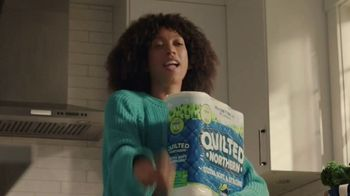 Quilted Northern Ultra Soft & Strong TV Spot, 'Sustainable Feels Good' Song by Clarence Nelson - Thumbnail 4