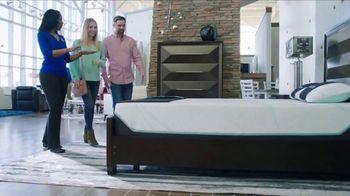 Rooms to Go La Venta por las Fiestas TV Spot, 'El colchón perfecto' [Spanish] - Thumbnail 3