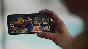 Portal from Facebook TV Spot, 'Portal Holiday: Gifting with Leslie Jones' - Thumbnail 5