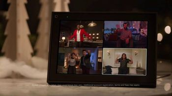 Portal from Facebook TV Spot, 'Portal Holidays: Holiday Happy Hour With Leslie Jones' Song by Dimitri Syde - Thumbnail 2