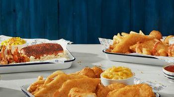 Long John Silver's Variety Platters TV Spot, 'Cheesin' All Season' - Thumbnail 7