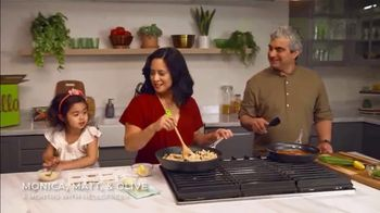 HelloFresh Black Friday Sale TV Spot, 'Monica, Matt and Olive: Quality Time on a Weeknight'