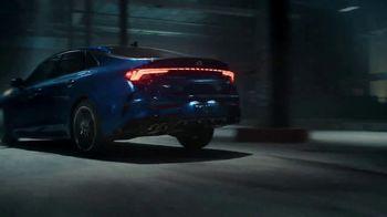2021 Kia K5 GT TV Spot, 'Stunt Wars' [Spanish] [T1] - Thumbnail 5