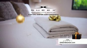 Sheex Calm + Cool Weighted Blanket TV Spot, 'Holidays: Give the Gift of a Hug' - Thumbnail 9