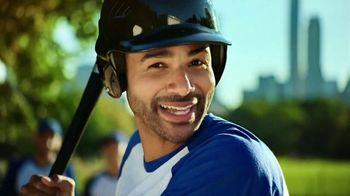 Nestle Crunch TV Spot, 'Everyone's Crunching'