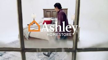 Ashley HomeStore Black Friday Doorbusters TV Spot, 'Power Recliner and Queen Panel Bed' - Thumbnail 1