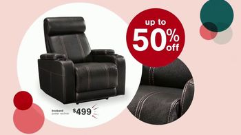 Ashley HomeStore Black Friday Doorbusters TV Spot, 'Power Recliner and Queen Panel Bed' - Thumbnail 3