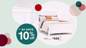 Ashley HomeStore Black Friday Doorbusters TV Spot, 'Power Recliner and Queen Panel Bed' - Thumbnail 4
