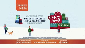 Consumer Cellular TV Spot, 'Folks: Chrissy and Mitch: Holiday $25 Off' - Thumbnail 10
