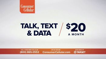 Consumer Cellular TV Spot, 'Folks: Chrissy and Mitch: Holiday $25 Off' - Thumbnail 3