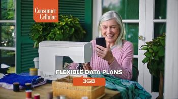 Consumer Cellular TV Spot, 'Premium Wireless: $25 Off' - Thumbnail 6