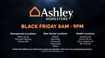 Ashley HomeStore Black Friday Sale TV Spot, 'Queen Sleeper Sofa Chaise' - Thumbnail 5