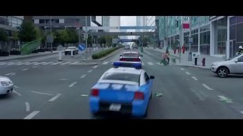 LEGO TV Spot, 'Holidays: And I Think To Myself: Car Chase' - Thumbnail 7